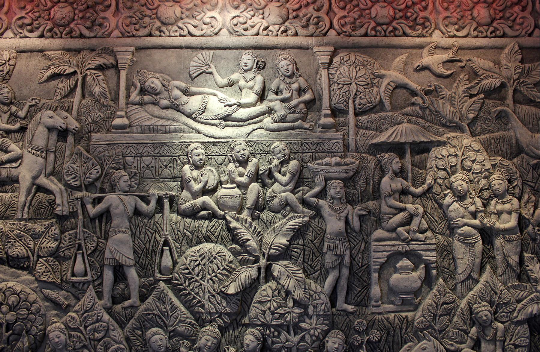 Скульптурное панно Бирма. Автор Елена Афти. материал шамотная глина.