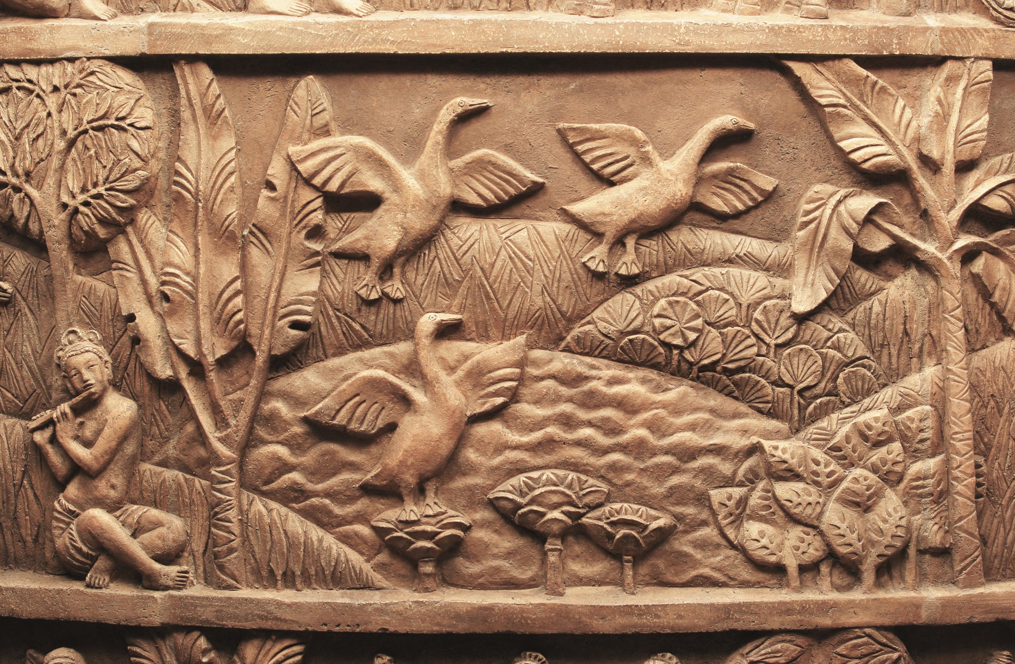 Камин Бирма- фрагмент. Авторская работа Елены Афти. Материал исполнения шамотная глина. Работа выполнена в рамках предприятия Город Богов.
