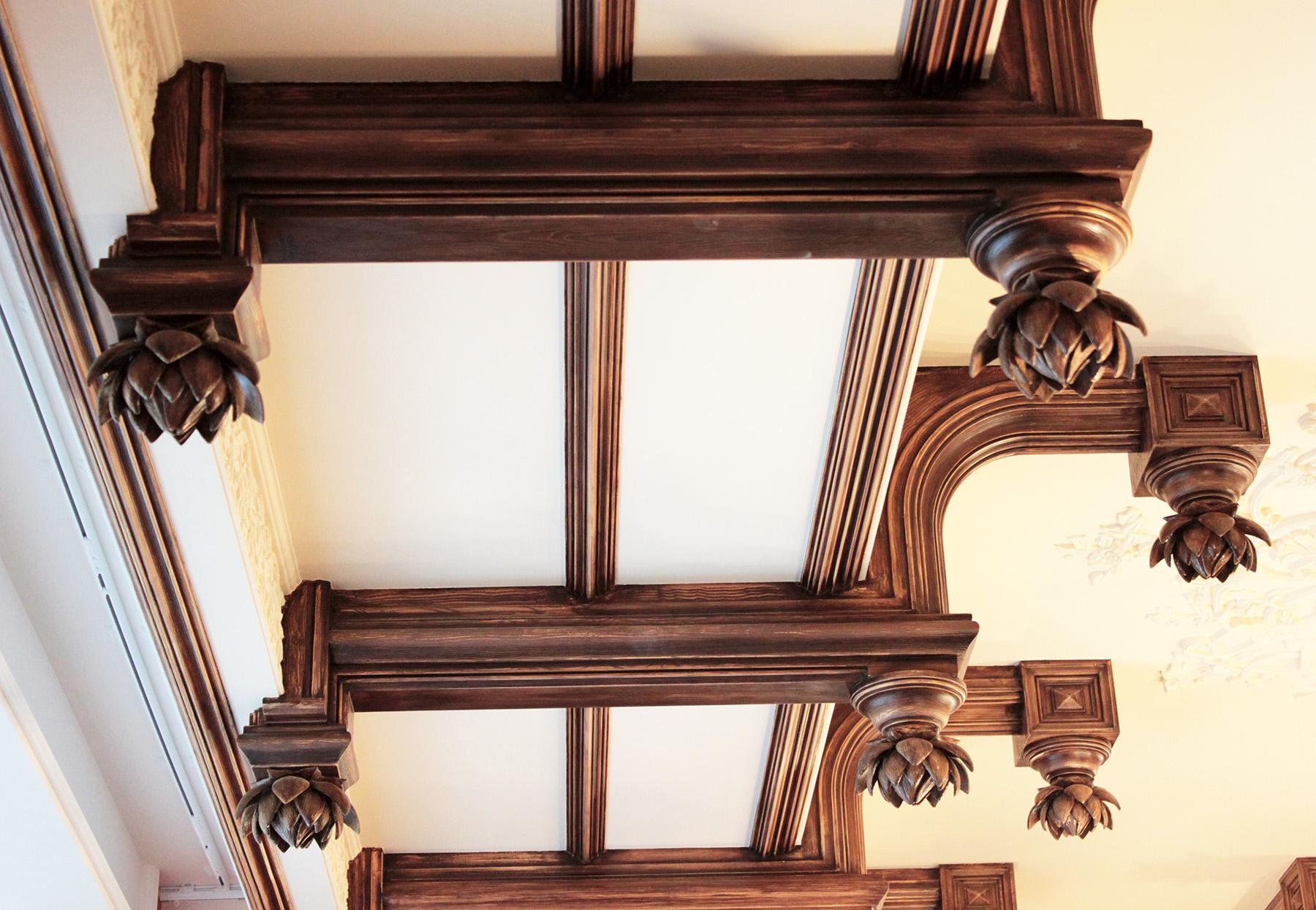 Гипсовые Балки кессонированного потолка имитация дерево. Материал - гипс. Архитектурно-производственная мастерская Елены Афти
